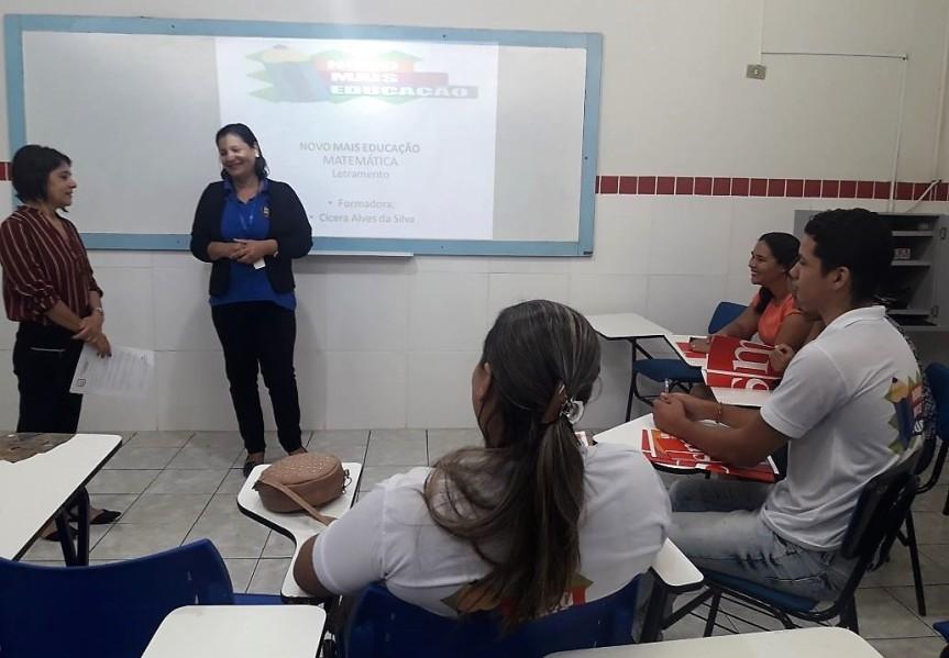 Português e Matemática são temas de Formação doPNME