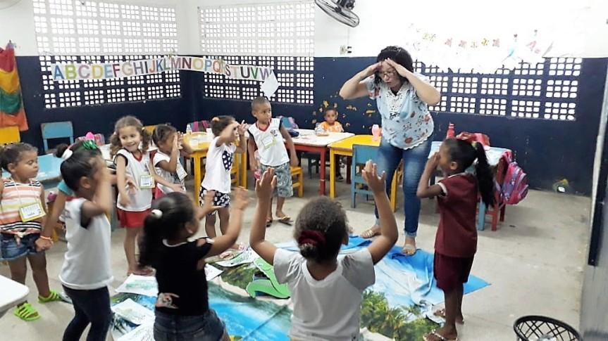 """""""Projeto Leitura nas Escolas"""" ganha atenção dacriançada"""