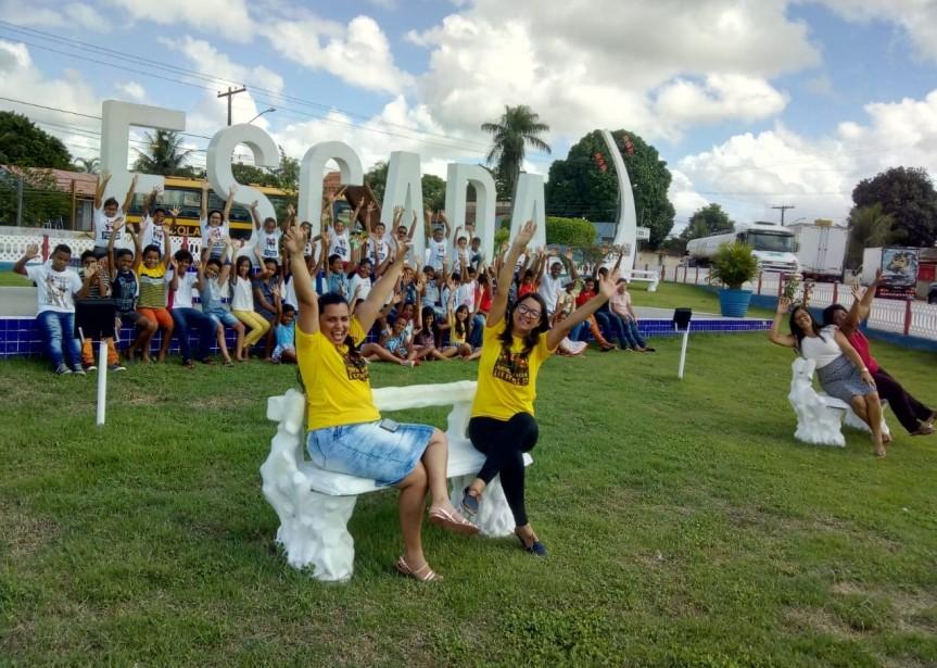 Alunos da Escola Maria José Lucas visitam pontos turísticos deEscada