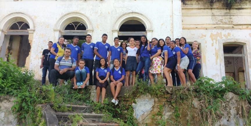Alunos visitaram a antiga moradia do artista escadense CíceroDias