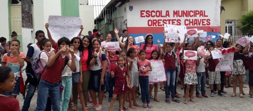 """Escolas intensificam Campanha do """"OutubroRosa"""""""