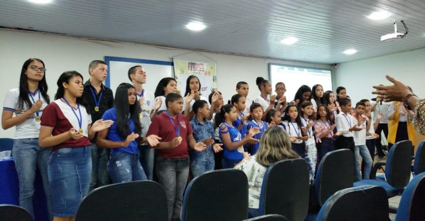 Cerimônia premia os melhores em 5 categoria da LínguaPortuguesa