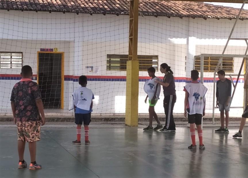 Projeto incentiva os esportes entre jovens da Escola CíceroDias